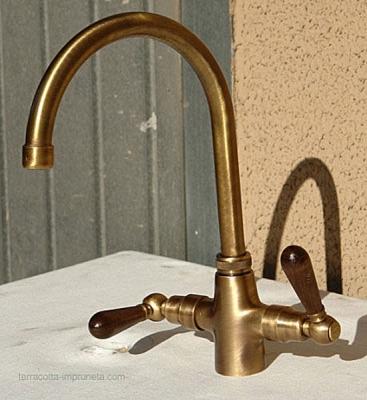 Wasserhahn Messing modern