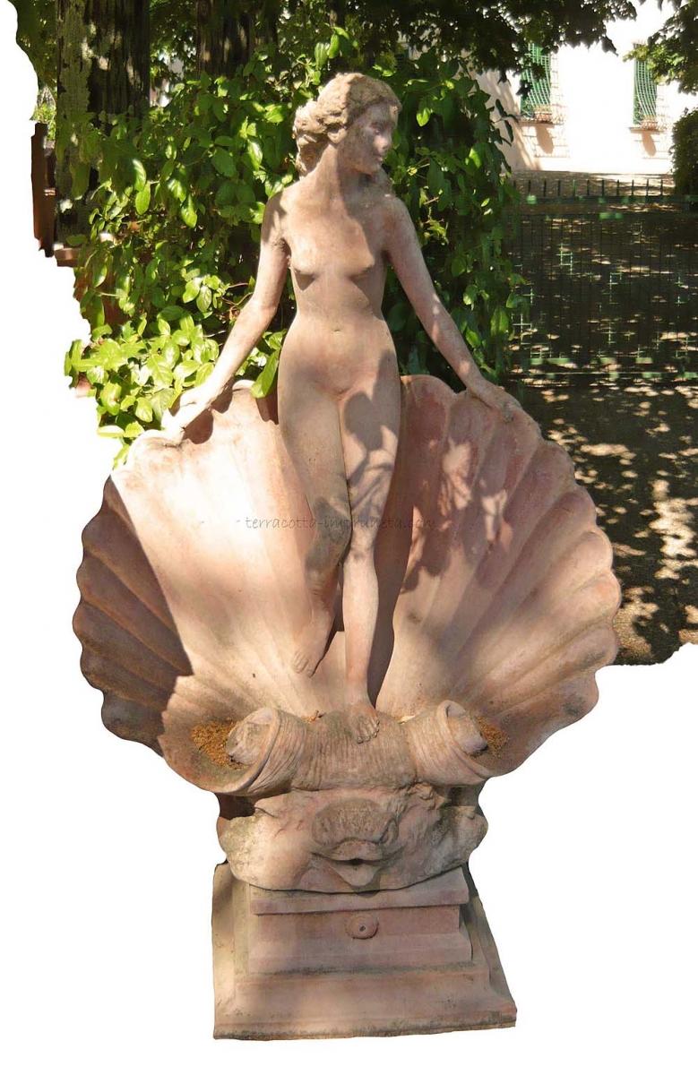 Die Venus-Skulptur – Eine Liebesgöttin für den Garten
